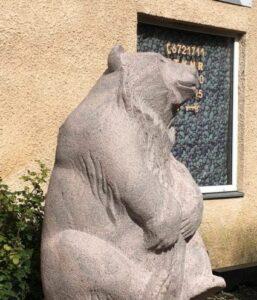 Karu kivihoovis Nõmmel